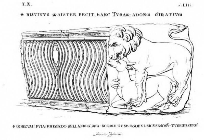 Sarcophage décoré sur les côtés d'un lion, de profil, ensérant sa proie entre ses pattes. Texte : T. X. BISUINUS MAISTER FECIT... Lasinio Figlio Inc.