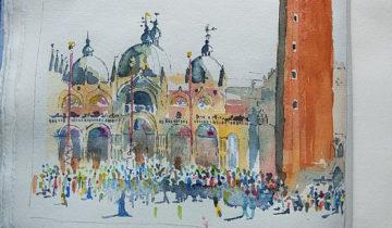 Basilique Saint-Marc et campanile. Au premier plan, foule colorée esquissée au pinceau.