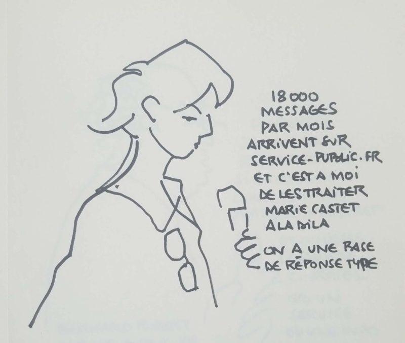 """Jeune femme en buste tournée vers la droite parlant au micro. Texte """"18 000 messages par mois arrivent sur service-public.fr et c'est à moi de les traiter. Marie Castet à la Dila. On a une base de réponse type"""""""